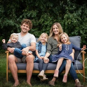 Amy Askren with her children and husband